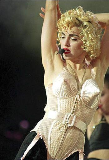 Lenjerie intima super sexy, marca Jean Paul Gaultier! Iti place? FOTO