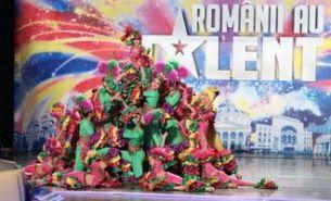 """Cel mai inalt magician si singura femeie fachir au facut spectacol la """"Romanii au talent"""""""