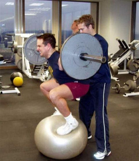 http://assets.sport.ro/assets/protv/2011/02/11/image_galleries/12558/40-de-imagini-absurde-incearca-sa-le-gasesti-o-explicatie-foto_26.jpg