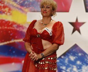 Mariana Burghelea se crede foarte talentata la dansuri orientale! Transparentele ei i-au speriat pe Mihai Petre si Andi Moisescu VIDEO!