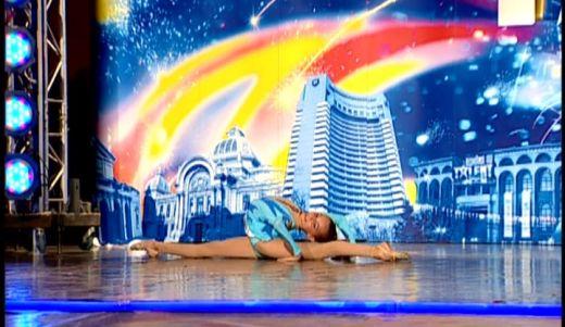 Micuta contorsionista, Ioana Roxana Rotar, a avut emotii mai mari la Romanii au talent ca in concursuri FOTO!