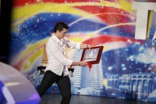 "Lorenzo Cristian Stancu, de la ""Romanii au talent"": dansator, stripper si magician!"