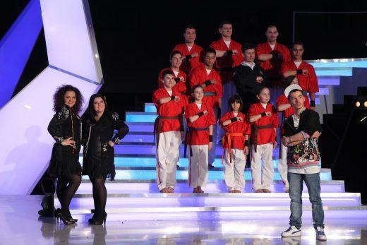 Tutu Adrian, Cristina si Alina si grupul Akikai au ajuns in finala  Romanii au talent  FOTO