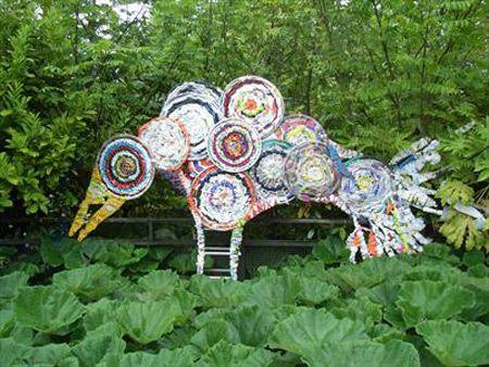 Vezi Cele Mai Tari Obiecte De Arta Din Materiale Reciclate