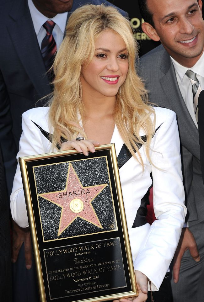 Shakira a primit o stea pe Hollywood Walk of Fame! Vezi FOTO