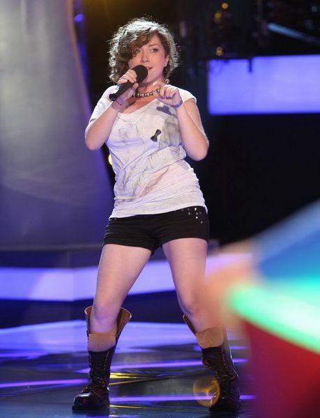 Loredana Cavasdan de la Vocea Romaniei are trupa si isi lanseaza primul videoclip!