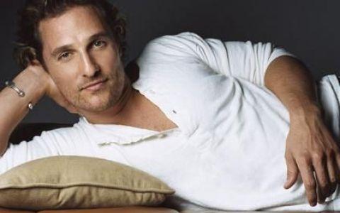 Unul dintre cei mai sexy barbati din lume face STRIPTEASE in noul lui film. VIDEO spectaculos