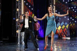 """Andra, invitata la dans de un concurent. Iata cat de mult s-a distrat juriul la preselectiile """"Romanii au talent"""" de la Oradea: FOTO"""