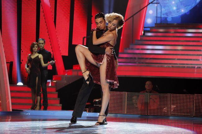 Dansez pentru tine , editia 101. Cine a parasit competitia si cine intra la duel saptamana aceasta: Cele mai tari momente VIDEO