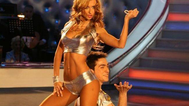 Top 10 cele mai spectaculoase momente de la  Dansez pentru tine . Smiley, Andra si Pavel Bartos faceau show pe ringul de dans: VIDEO
