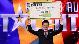 """Cristian Gog, castigatorul de la """"Romanii au talent"""", in topul celor mai cautate persoane pe Google in Romania, anul acesta"""