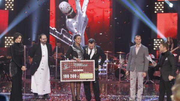 """Cele mai frumoase momente din finala show-ului """"Vocea Romaniei"""" si prima reactie a castigatoarei, Julie Mayaya. VIDEO"""