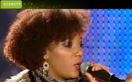 Julie Mayaya este Tina Turner de Romania. Uite cum s-a distrat cantareata de Revelion