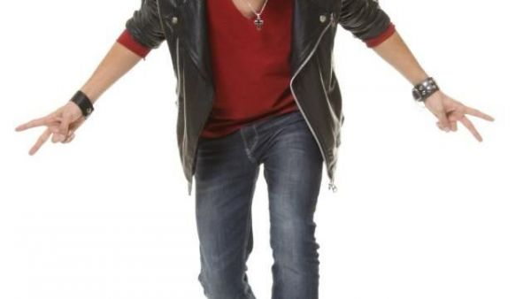 """A inceput 2013 cu dreptul! Daniel Max Dragomir si-a lansat prima piesa cu trupa lui. Asculta aici """"Dream away"""""""