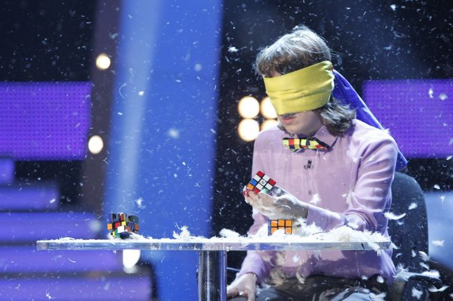 Cristian Leana, finalistul de la  Romanii au talent , dezvaluie cum reuseste sa rezolve un cub Rubik in cateva secunde. Afla-i metoda!