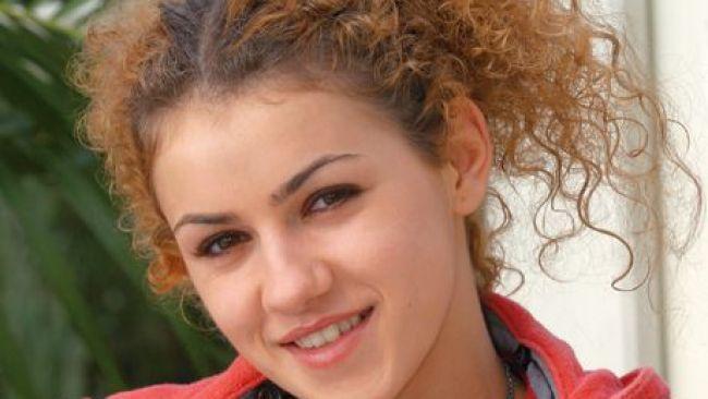Ti-o mai amintesti pe Nicole, roscata creata din  Lacrimi de iubire ? Vezi cum arata la 8 ani de la terminarea serialului