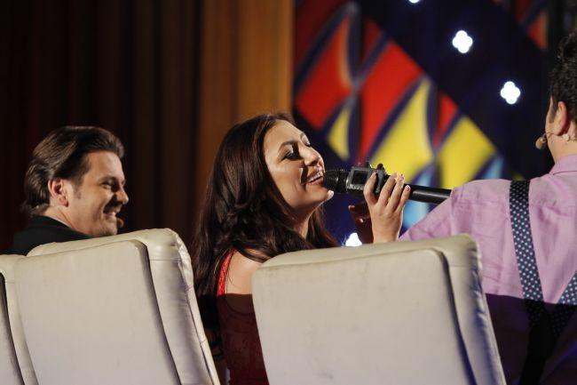 Un moment in premiera nationala si mondiala. Andra a testat microfonul care canta singur!
