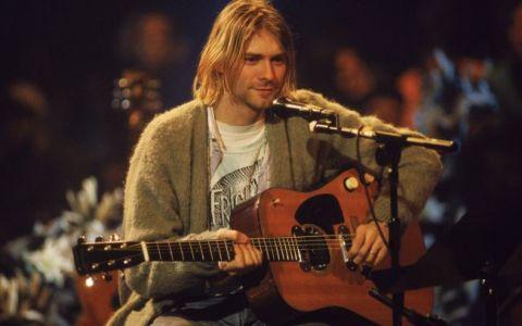 Kurt Cobain, fostul solist al trupei  Nirvana  are o o fata superba. Frances Bean Cobain este  bucatica-rupta  din tatal ei