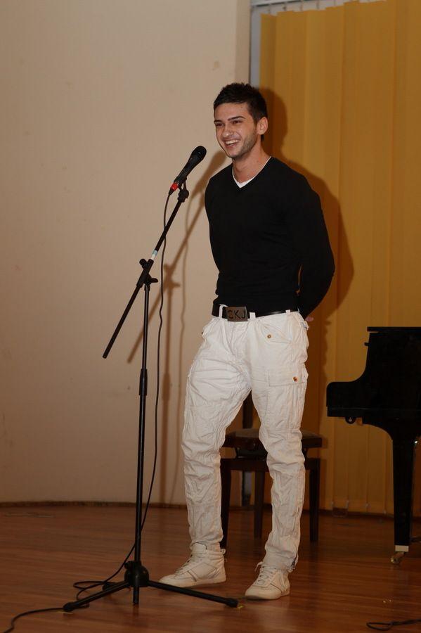 Dorian Popa dezvaluie cum a ajuns sa cante in LaLa Band. Cum arata acum 3 ani, inainte sa devina cunoscut: FOTO