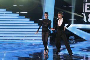 Un cuplu de senzatie. El seamana izbitor cu Daniel Craig, ea e cea mai sexy fata Bond. Dansul lor i-a facut Andrei pielea de gaina