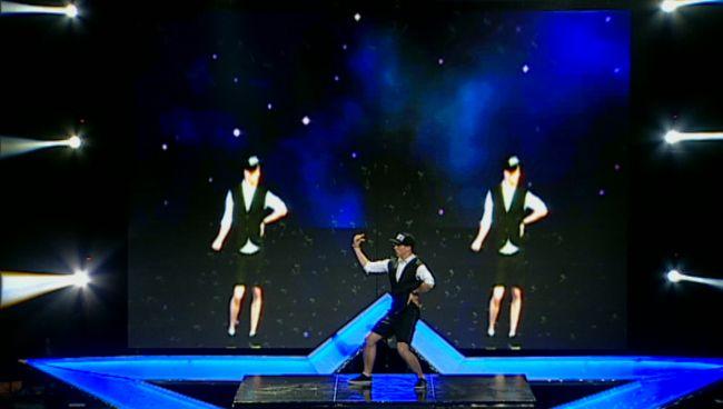 E tot mai bun pe zi ce trece: Mihai Petre il considera  dansatorul complet . A facut senzatie pe scena de la  Romanii au talent