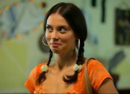 "Tara o arde pe comedie cu ""Las Fierbinti"". Geanina vrea sa se calugareasca in Bulgaria"