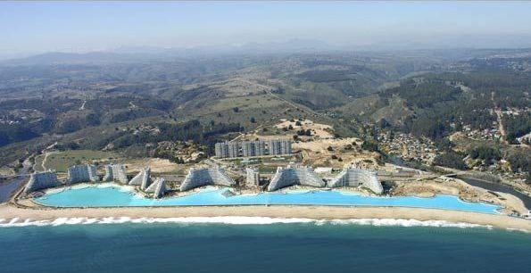 Cum arata cea mai mare piscina din lume, de250.000.000 de litri. Imagini spectaculoase