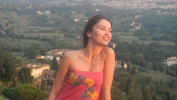 """Anca Dumitra, frumusica din """"Las Fierbinti"""", vacanta cu masina prin Europa: FOTO"""