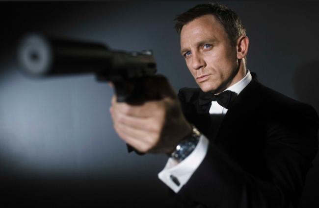 Iti vine sa crezi ca el va fi noul James Bond? Pe cine au pus producatorii ochii pentru a-l inlocui pe Daniel Craig