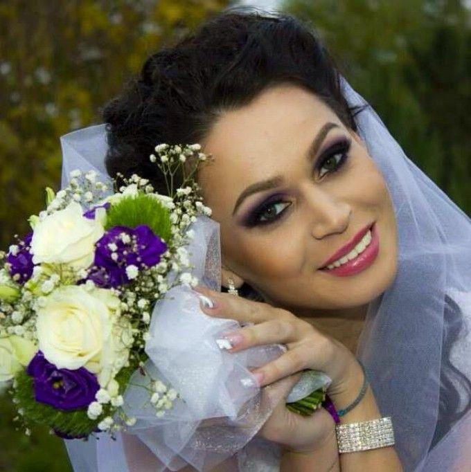 Nicoleta Matea, fosta casnica de la  MasterChef , superba in ziua nuntii. Bruneta a schimbat doua rochii de mireasa in ziua cea mare