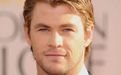 Chris Hemsworth, actorul din Thor, este tata de gemeni. Cum arata sotia lui, originara din Romania