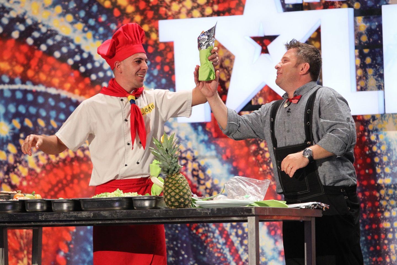 Smiley si Bartos pregatesc shaorma si merg la control prin vagoane in noul sezon al super show-ului  Romanii au talent