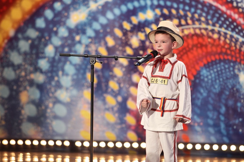 Are numai 6 ani, dar stie exact ce vrea de la viata:  Nu ma-nsor si nu ma-nsor!  Baietelul care i-a facut pe toti sa rada cu lacrimi la  Romanii au talent