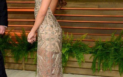 Pe covorul rosu arata impecabil. Cum a fost surprinsa, insa, Selena Gomez a doua zi dupa Oscaruri