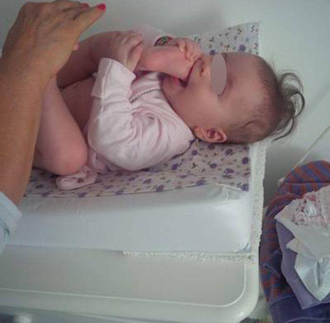 Oana Roman a facut publica o imagine emotionanta cu fiica sa. Cat de simpatica e micuta Isabela, in varsta de sase luni