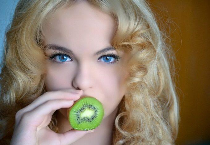 Ea este adevarata femeie-Barbie din Romania. Arata exact ca o papusa si asta fara nicio operatie estetica - FOTO