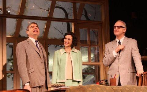 Mr. Bean  s-a despartit de sotia lui. Cum arata frumusetea care i-a fost alaturi lui Rowan Atkinson timp de 23 de ani si cine este noua lui cucerire
