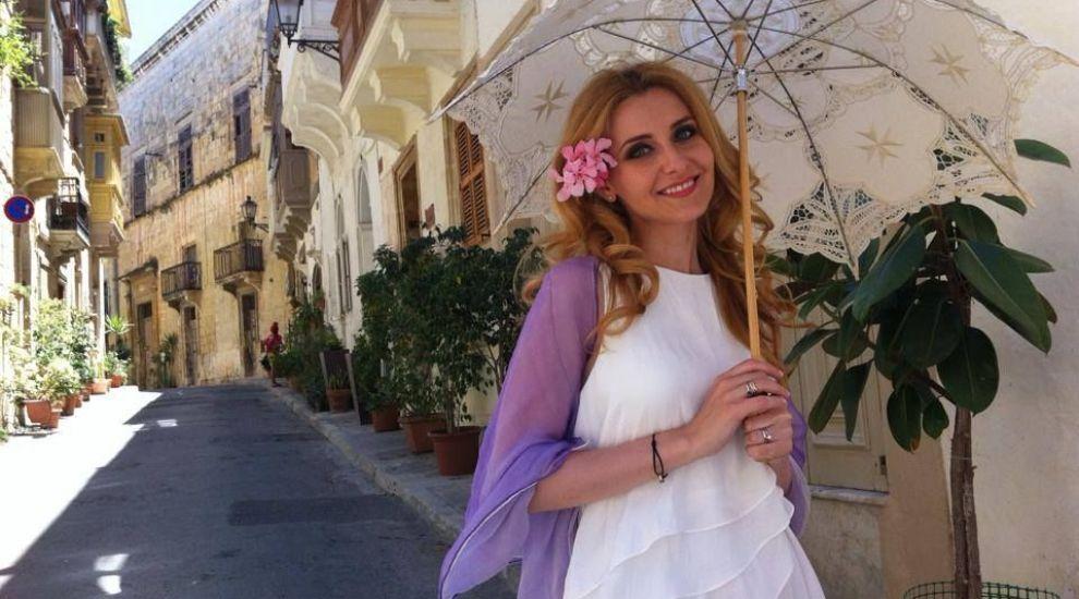 "Alina Sorescu se pregateste de botez si e deja nostalgica: ""Rememoram cat de emotionata am fost la prima plimbare cu Bebica"". FOTO"