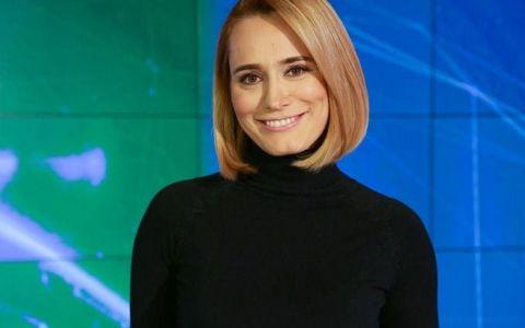 Andreea Esca lanseaza o carte a amintirilor:  Ce-am facut cand am tacut