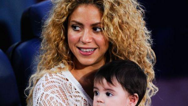Fotografia de peste 2 milioane de like-uri cu care Shakira a inrosit butonul de LIKE pe Facebook. Micutul Milan este adorabil