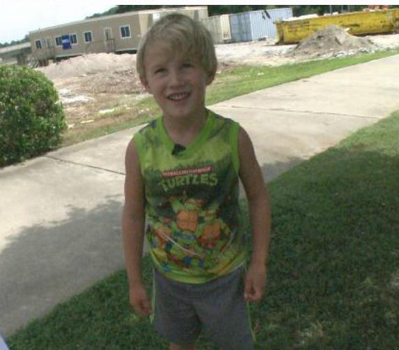 Un baietel de patru ani a fost dat afara dintr-un restaurant. Motivul i-a socat pe toti