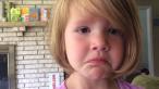 Un clip viral de 4 milioane de afisari. Reactia adorabila a unei fetite de patru ani cand afla ca fototgrafiile pot fi sterse de pe aparat