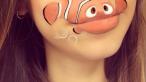 Pentru ea, machiajul in exces inseamna altceva. Talentul unei fete care isi transforma buzele in opere de arta
