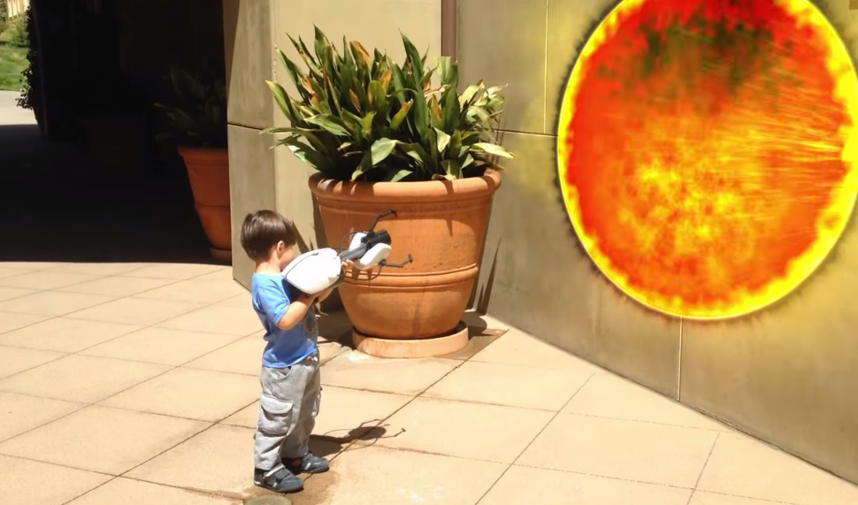 Un tata exemplar si-a transformat fiul intr-un supererou din desenele animate. Aventurile pustiului de numai 3 ani cu puteri supranaturale - VIDEO