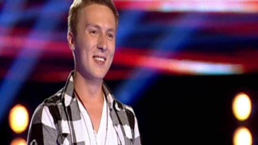 """Sosia lui Pavel Bartos, pe scena de la Vocea Romaniei: """"Sunteti rude? El e mai sexy ca tine"""""""