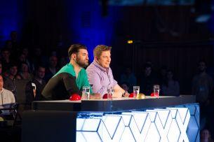 In premiera la Romanii au talent! Un jurat a apasat golden buzz-ul, iar un concurent a fost trimis direct in semifinala!