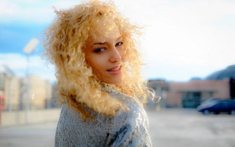 Alexia Talavutis, imaginea prin care a incis butonul de like. Cea mai recenta poza postata pe Facebook a lasat imaginatia fanilor fara limite