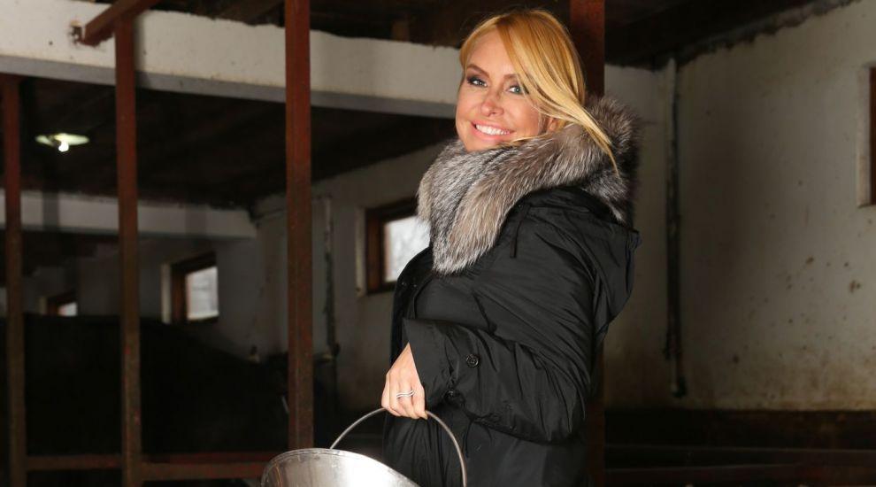 "Vica Blochina renunta la confortul de acasa pentru ""Ferma Vedetelor"""