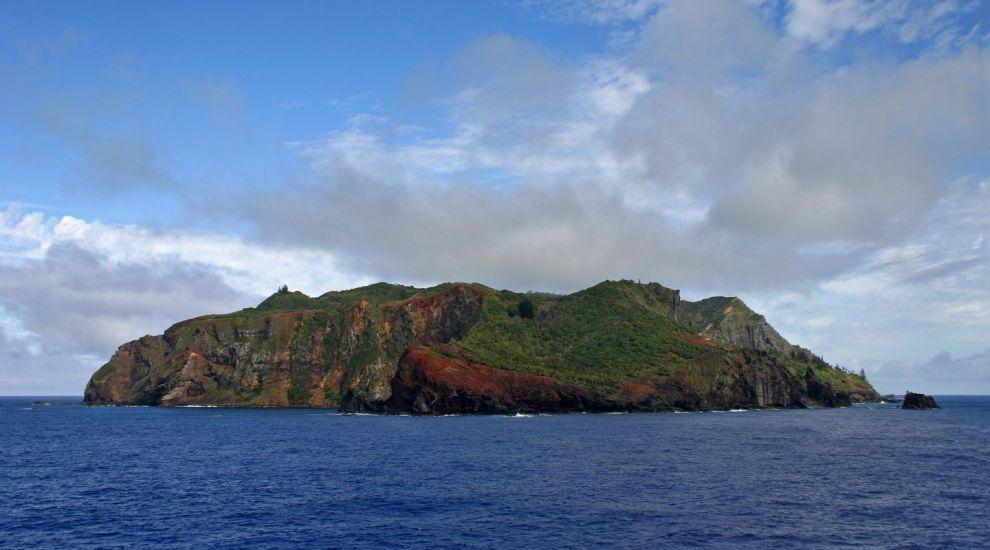 La prima vedere, pare un paradis exotic, dar nimeni nu vrea sa locuiasca aici. Ce secret ascunde aceasta insula