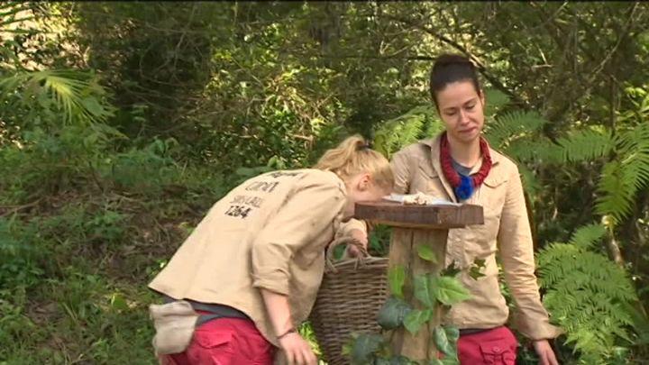 Inca un concurent a parasit tabara din jungla! Cine nu a putut face fata probei eliminatorii: Andreea sau Alina?